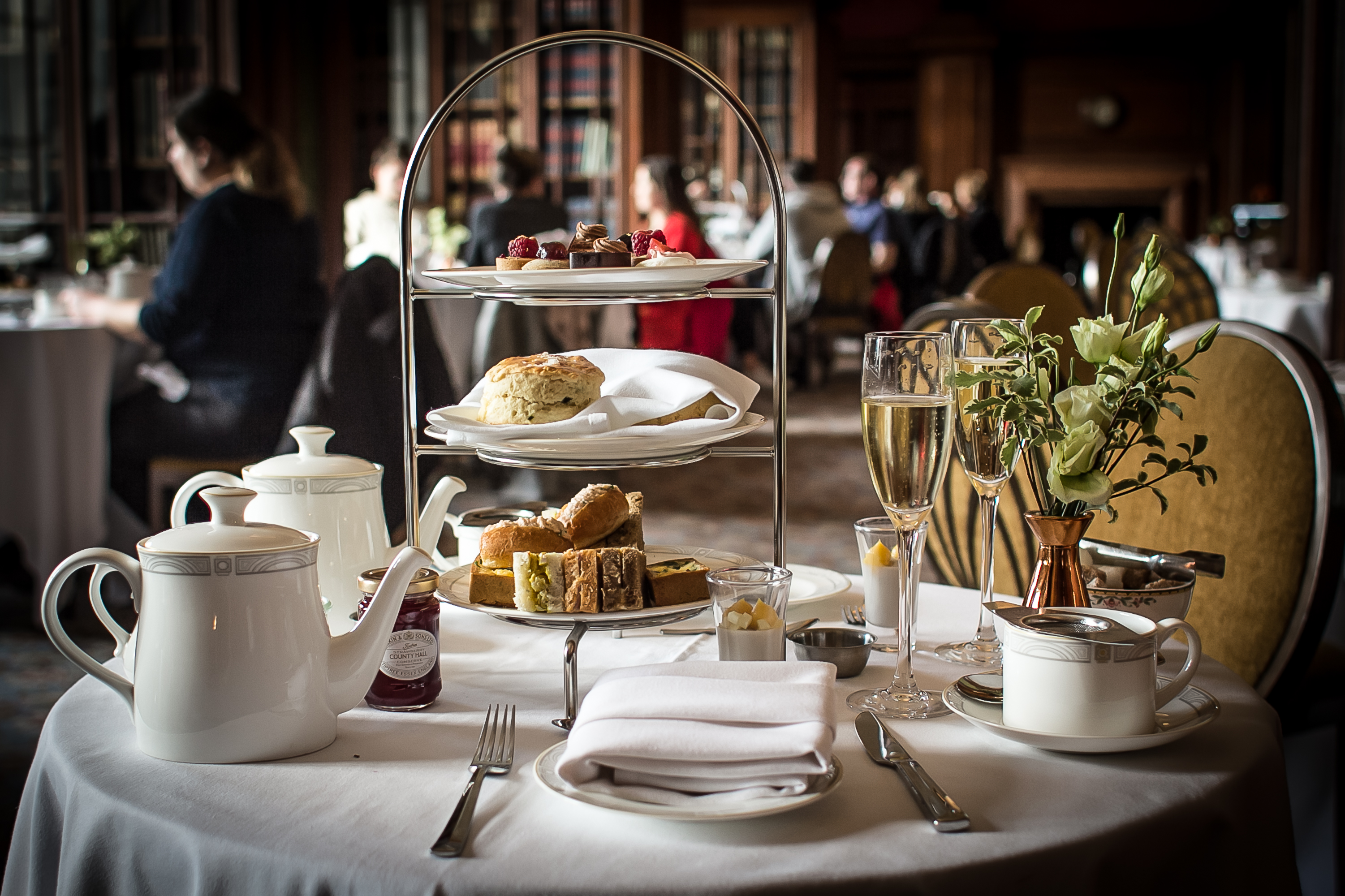 Afternoon Tea, Library Lounge, London , Marriott Hotel County Hall, afternoon tea in London